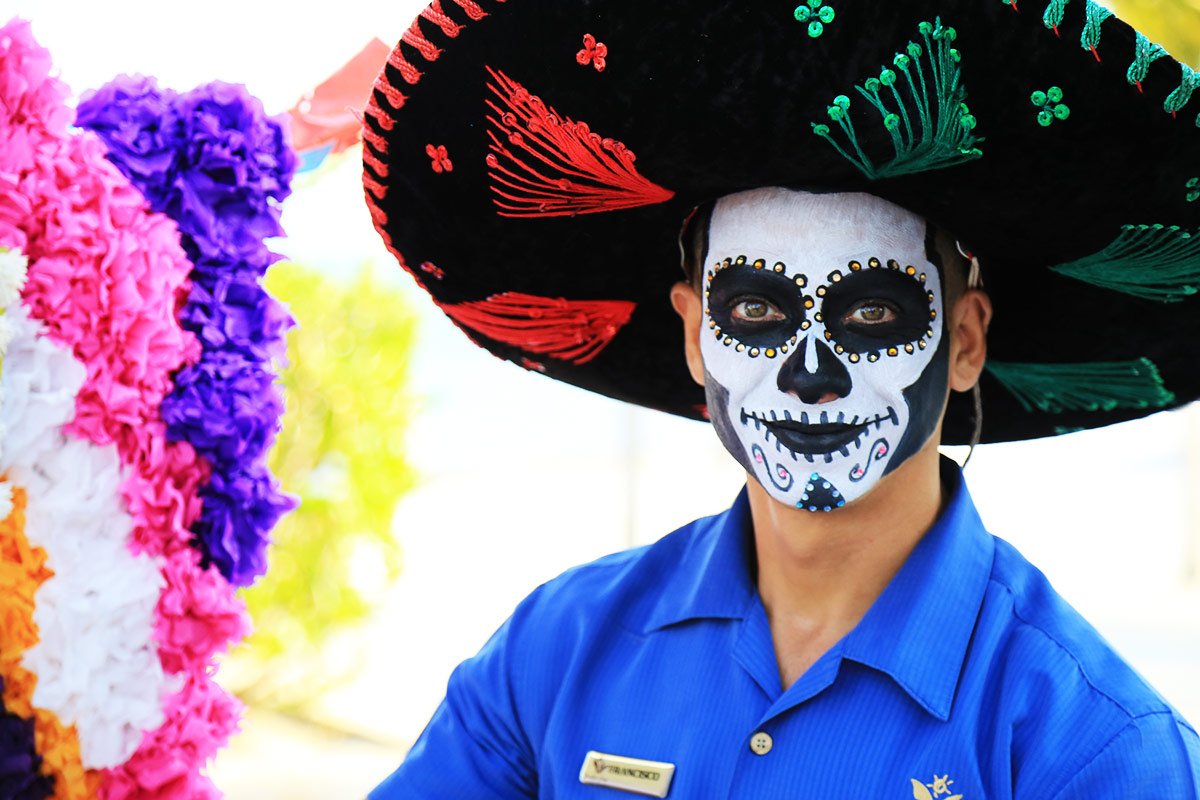 Halloween Vs Mexico Day of the Dead