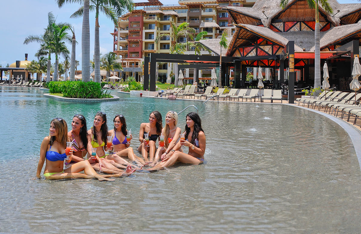 No Boys Allowed – Sophisticated Stagette Vacation in Cancun!