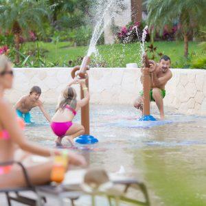 Aventuras en Familia: Actividades para Todos en Cancún
