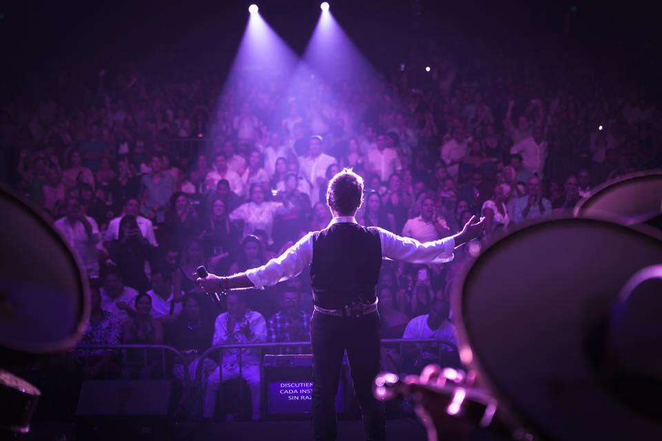 Alejandro Fernández - Concierto de Música Pop y Ranchero