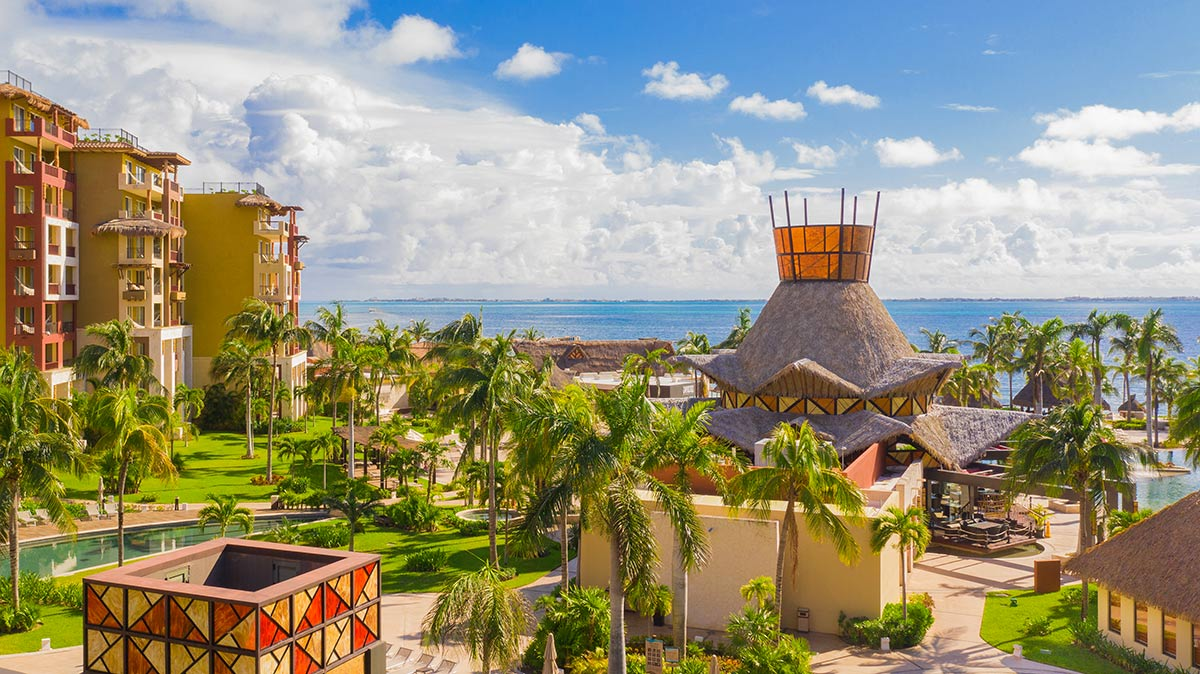 family friendly resort in cancun